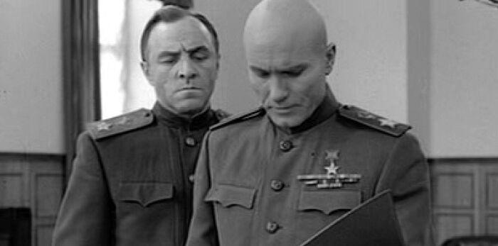 М. Ульянов и В. Шукшин в ролях маршалов Г. Жукова и И. Конева