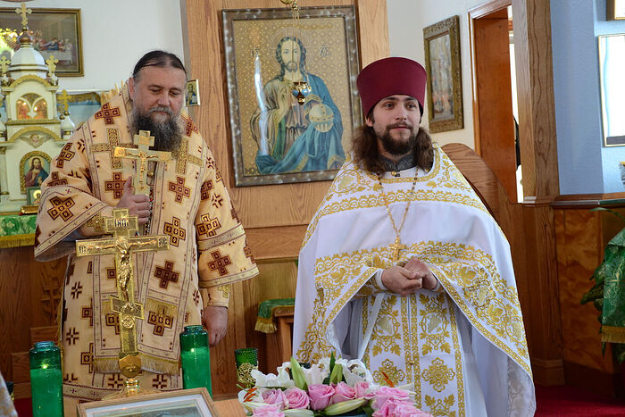 С архиепископом Иовом (Смакоузом)