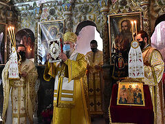 Liturgical life resumes at Romanian monastery church after 21 years
