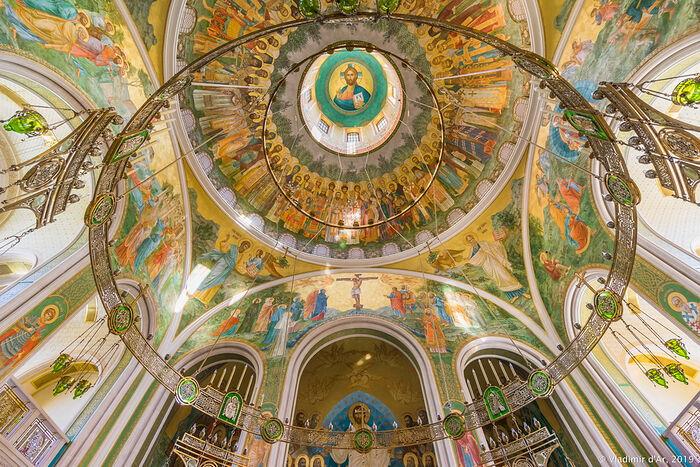 В храме Воскресения Христова Новомучеников и Исповедников Российских Сретенского монастыря