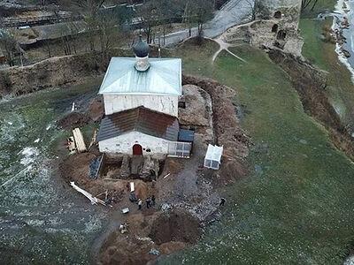 Продолжаются архитектурно-археологические исследования церкви Косьмы и Дамиана с Гремячей горы
