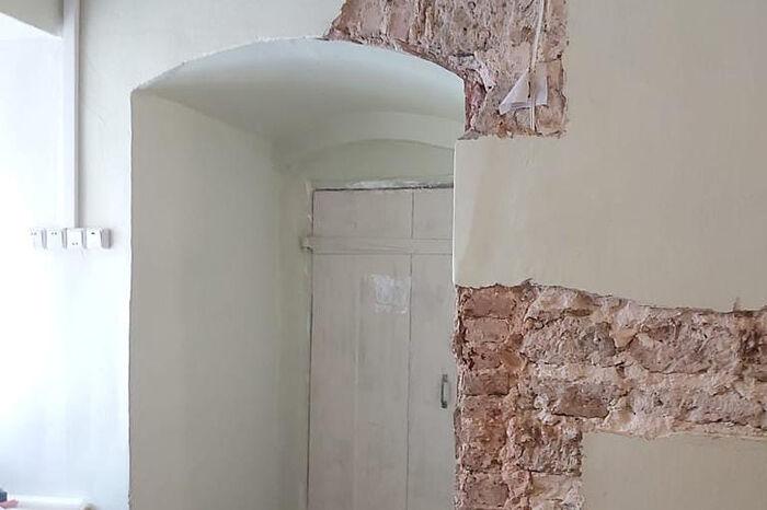 Продолжается подготовка к реставрационным работам в Лазаревском храме Псково-Печерского монастыря