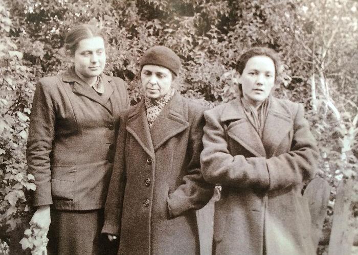 М.Н. Соколова с И.В. Ватагиной и Е.С. Чураковой