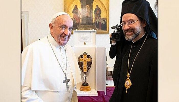 Ο Πάπας Φραγκίσκος και ο Αρχιεπίσκοπος Ιώβ Γκέτσα. Πηγή: catholicoutlook.org