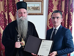 New Montenegrin gov't awards bishop for protecting holy sites