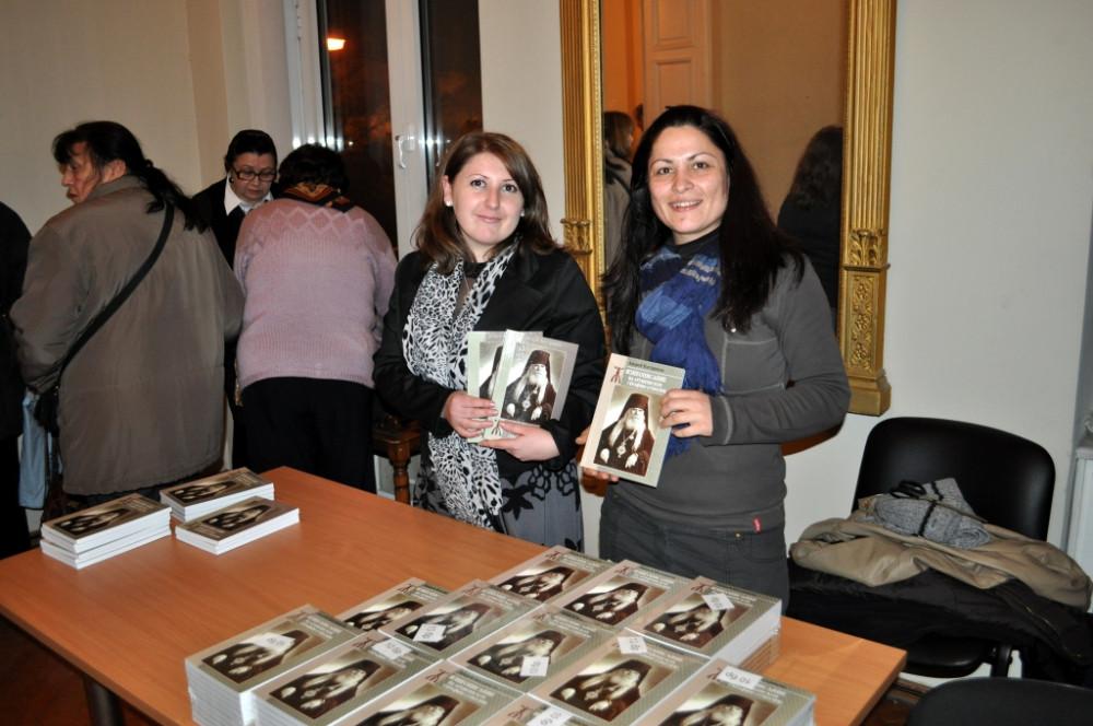 Серафимовские дни 2011 г. «Жизнеописание архиепископа Серафима (Соболева)» – книга, изданная Подворьем в Софии в 2011 г.