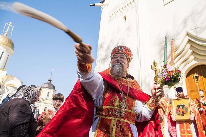 1η Μαΐου 2019, ο Αρχιμανδρίτης Λουκάς (Γκολοβκόφ) τελεί την Πασχαλινή Λειτουργία και ηγείται της πομπής στην Εκκλησία της Πεντηκοστής της Λαύρας