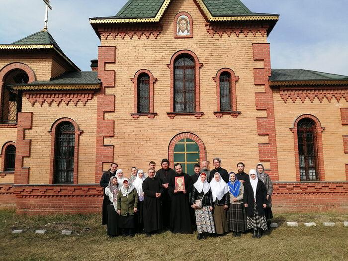 Община у храма Иоанна Лествичника Куровское