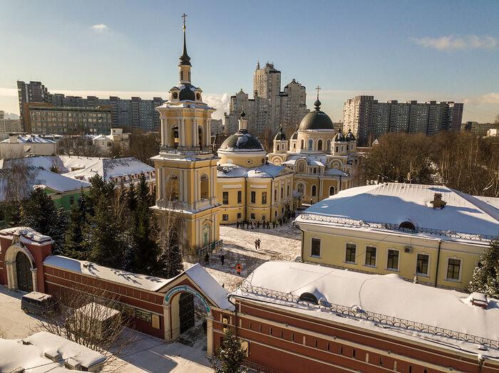 Женский Покровский монастырь в Москве