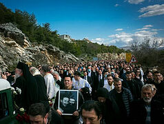 Thousands bid farewell to reposed Bishop Atanasije (Jevtić)