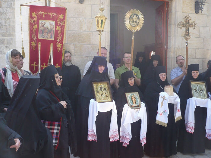 Bright week of 2010. Cross procession around the Ascension Cathedral. Abbess Moisseiais the second from the right, and Mother (now abbess) Barbara is the first from the right.