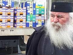 Romanian Metropolitan donates 8.5 tons of food to local hospitals
