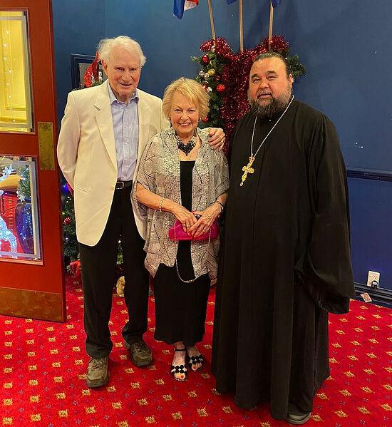 Ольга и Джон с протоиереем Владимиром Бойковым