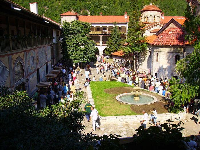 Photo: bachkovskimanastir.com