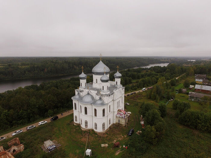 Church of Sts. Florus and Laurus in the village of Kumzero, the Kharovsk district