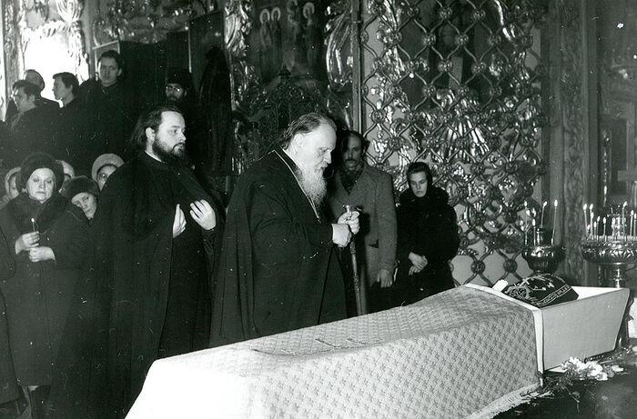 Ο αποχαιρετισμός του Πατριάρχη Ποιμένα στη μοναχή Ιουλιανία