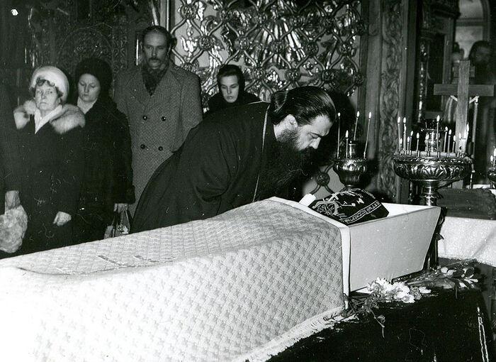 Ο αποχαιρετισμός του Μητροπολίτη Φιλαρέτου στη μοναχή Ιουλιανία