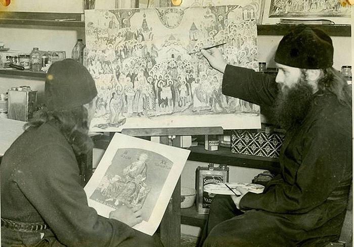 Отец Киприан (Пыжов) наставляет Алипия (Гамановича) в иконописи, 1946
