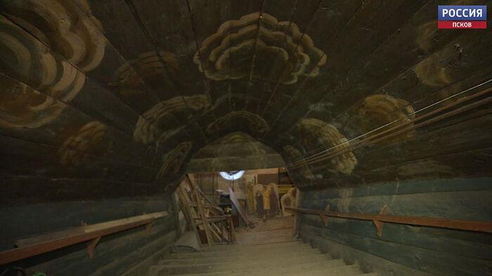 Реставраторы завершили обследование Успенского храма в Псково-Печерском монастыре