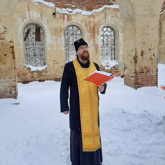 Priest Dionisy Kamenshchikov