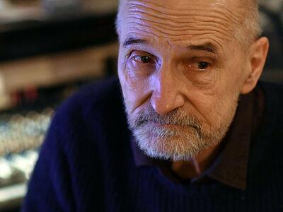 Поздравление Святейшего Патриарха Кирилла <br>музыканту и актеру П.Н. Мамонову<br>с 70-летием со дня рождения