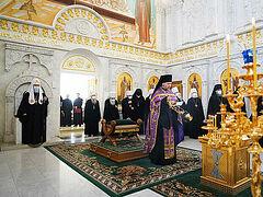 Члены Священного Синода почтили память приснопамятного Патриарха Сербского Иринея и почивших архипастырей Русской Православной Церкви