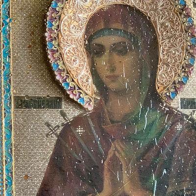 Хранитель мироточивой иконы: «Батюшка приехал к нам за миром, и мы увидели, что ватка – красная»