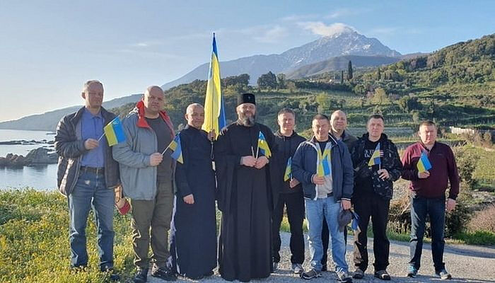 A group of schismatics visited Athos in 2019, angering the monks with their blatant displays of nationalism