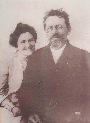 Антон Павлович Чехов с женой Ольгой Книппер