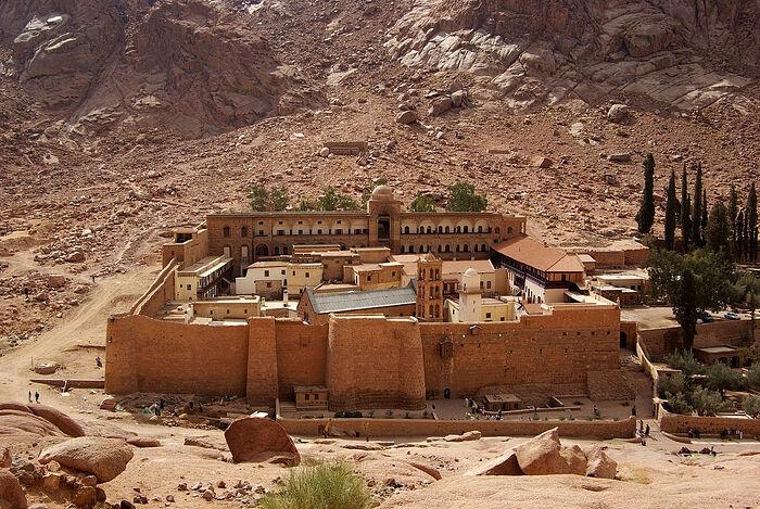Монастырь Святой Екатерины у подножия горы Синай