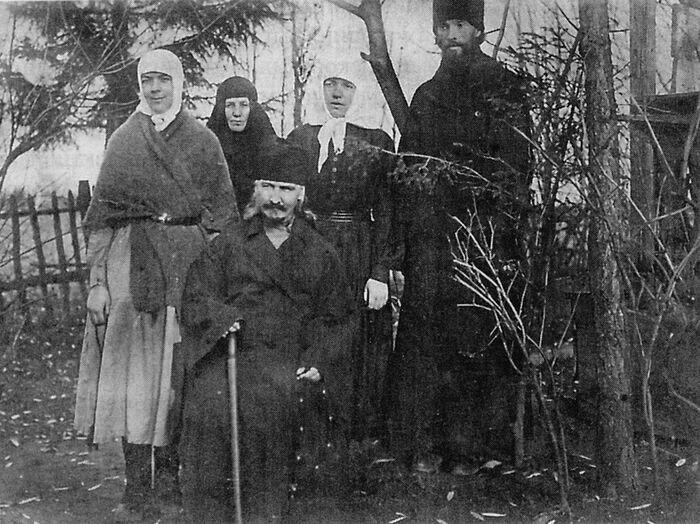 Преподобномученик Игнатий (Лебедев) с семьей