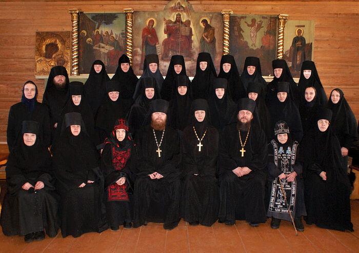 Насельницы и духовенство Казанской Трифоновой пустыни