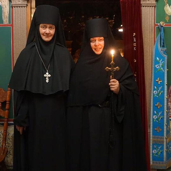 В день пострига в монахини с игуменией Казанской Трифоновой пустыни матушкой Ксенией