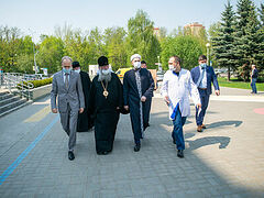 Глава Татарстанской митрополии и муфтий Татарстана навестили пострадавших детей