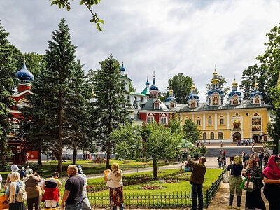 Реставраторы из семи регионов России будут работать на территории Псково-Печерского монастыря