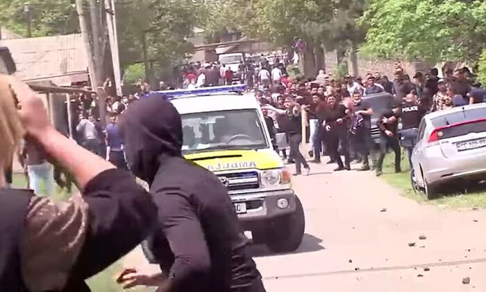Locals throwing stones at each other in Dmanisi, May 17, 2021. Photo: screengrab from TV Pirveli video