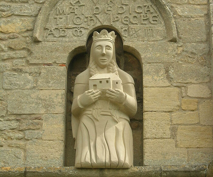 St. Cyneburgh's stone statue by Mark Sharpin at the church of Castor, Cambs (provided by Dr. Avril Lumley-Prior)