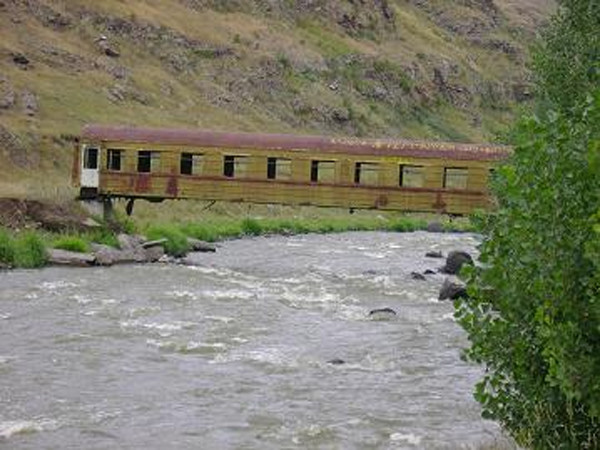 Γέφυρα για πεζούς προς το χωριό Αχαλκαλάκι, Γεωργία