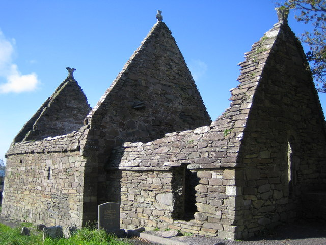 Ранняя церковь Килмалкедар на полуострове Дингл, гр. Керри, Ирландия