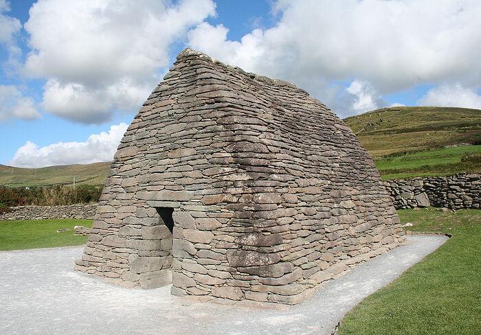 Часовня Галларус на полуострове Дингл, графство Керри, Ирландия