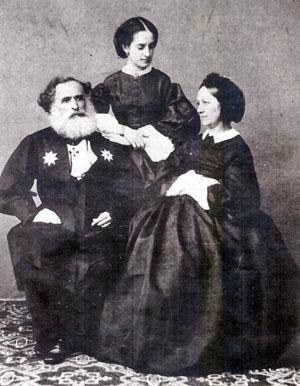 Александр Касимович Казем-Бек с супругой Прасковьей и старшей дочерью Ольгой