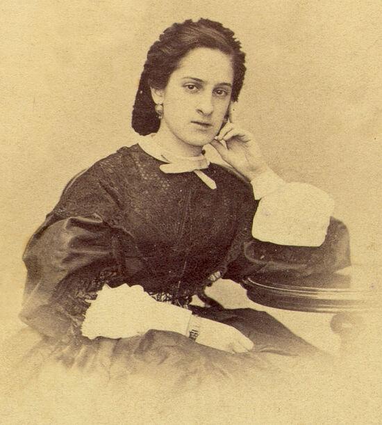 Ольга Александровна Казем-Бек, в замужестве Баратынская, ее муж был сыном знаменитого поэта Баратынского
