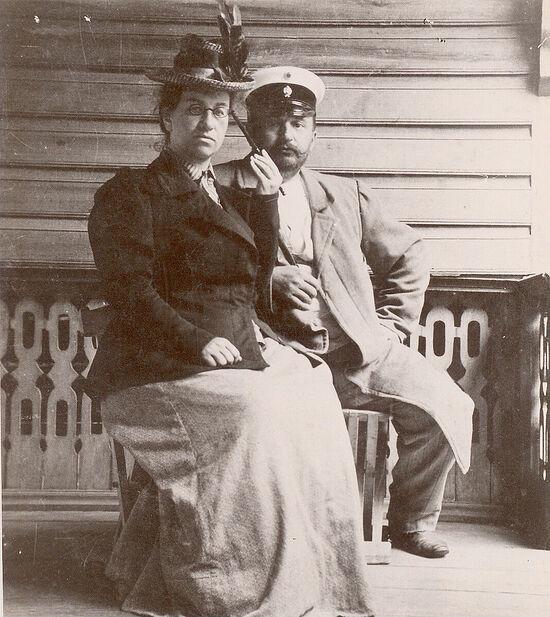 Прадедушка и прабабушка Владимир Николаевич и Ольга Михайловна Казем-Бек (баба Гога)