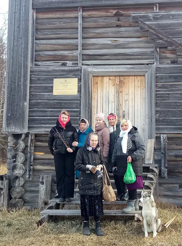 Ο Ιερός Ναός των Αγίων Κηρύκου και Ιουλίττης, στο χωριό Μπολσάγια Κανζαπέλδα (Νταβίντοβσκαγια)