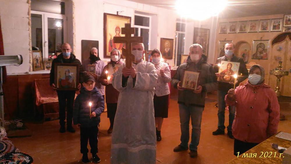 Ο Ιερός Ναός της Μεγαλομάρτυρος Παρασκευής, στο χωριό Όσκινο