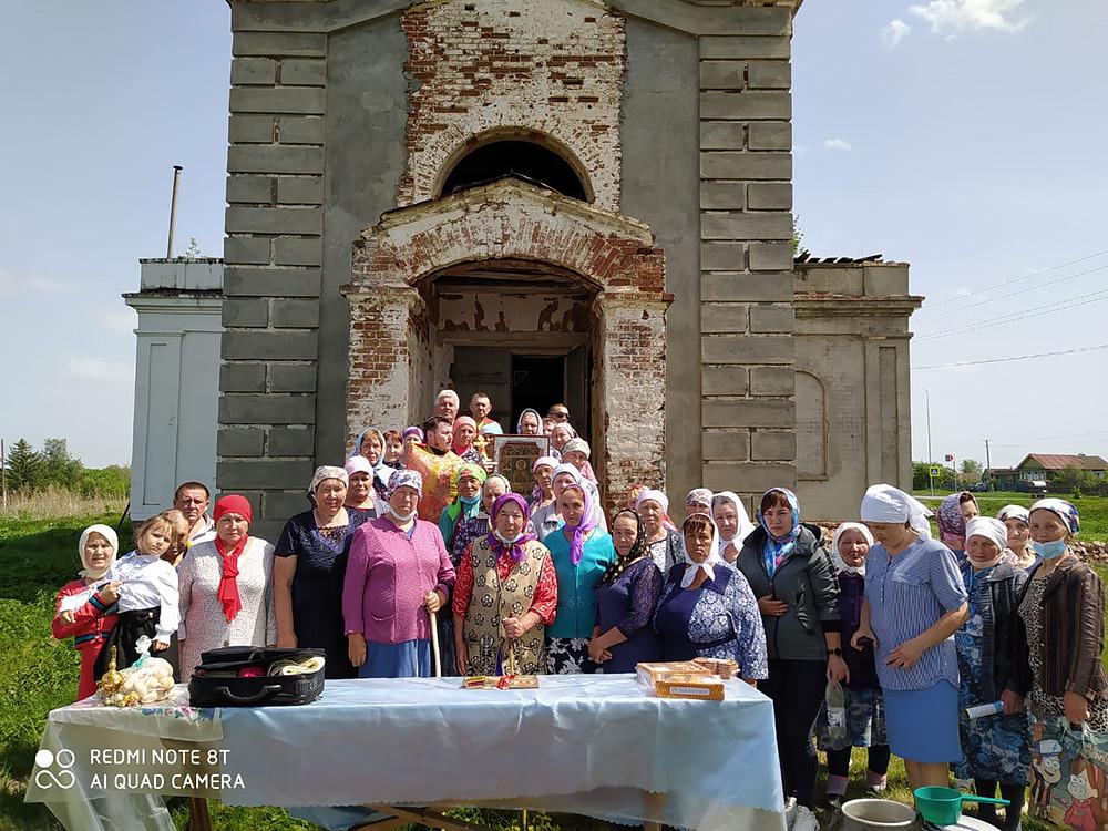 Ο Ιερός Ναός της Ζωοποιού Τριάδος, στο χωριό Πρωτοπόποβο