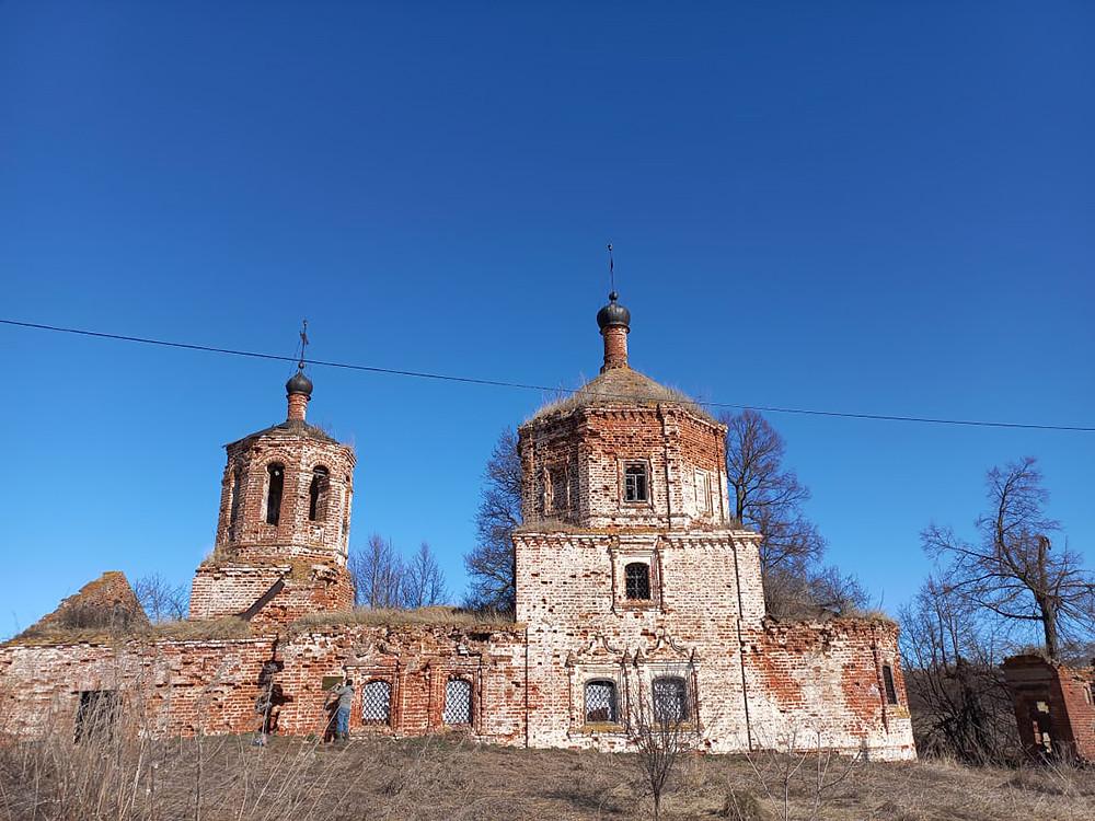 Ο Ιερός Ναός Αποτομής της Τιμίας Κεφαλής Προφήτη Ιωάννου του Προδρόμου, στο χωριό Σελενγκούς