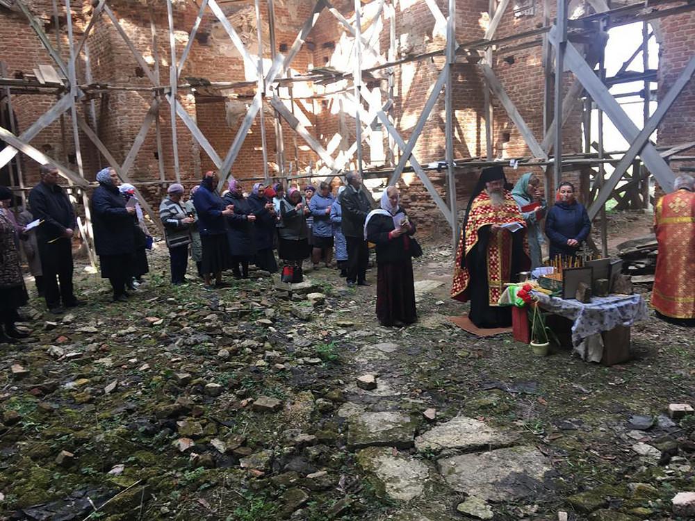 Ο Ιερός Ναός της Αγίας Σκέπης της Υπεραγίας Θεοτόκου, στο χωριό Ζαρέτσνιϊ Ρεπέτς
