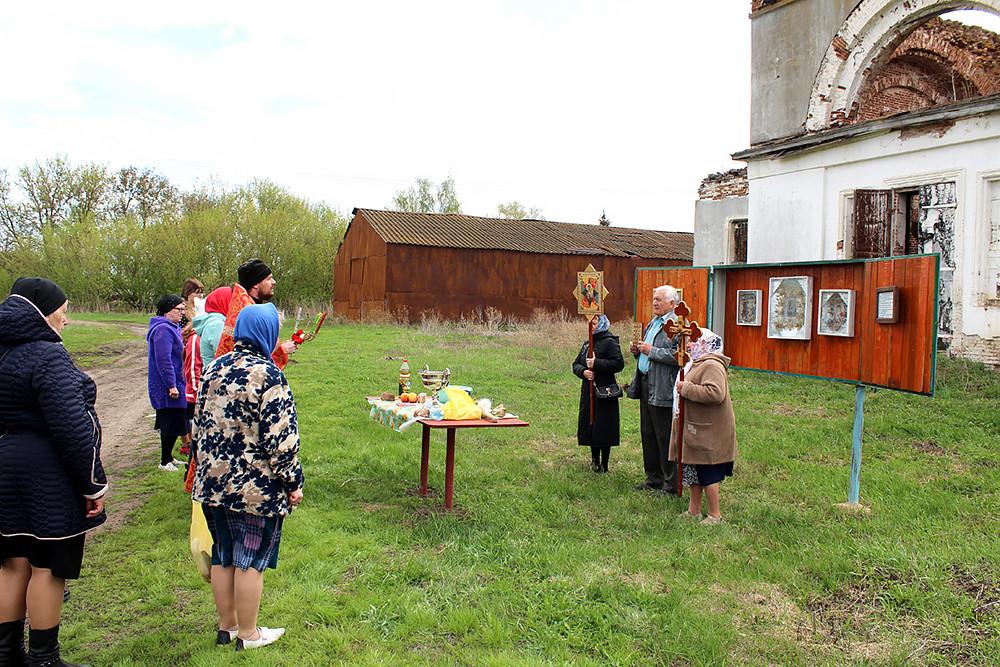 Ο Ιερός Ναός της Αγίας Σκέπης της Υπεραγίας Θεοτόκου, στο χωριό Σινιάβκα