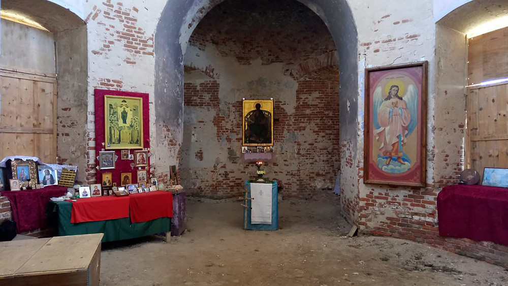 Ο Ιερός Ναός της Αγίας Σκέπης της Υπεραγίας Θεοτόκου, στο χωριό Μπολότσκοε